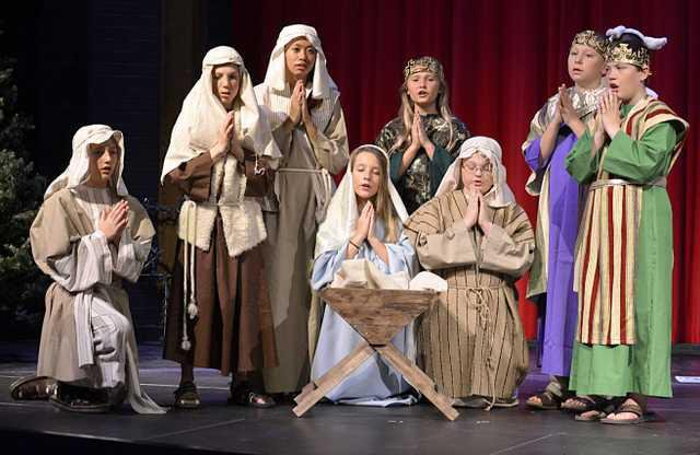 new deh holy family play main pic