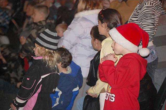 new deh no christmas parade pic
